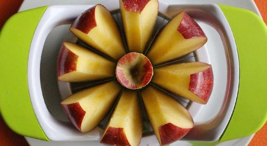 Browning apples in a plate.